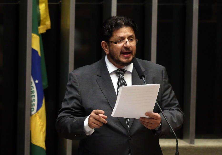 'Teria tirado todos os 12 vice-presidentes da Caixa', diz presidente da Câmara em exercício. #Estadão https://t.co/35n13gmYHt