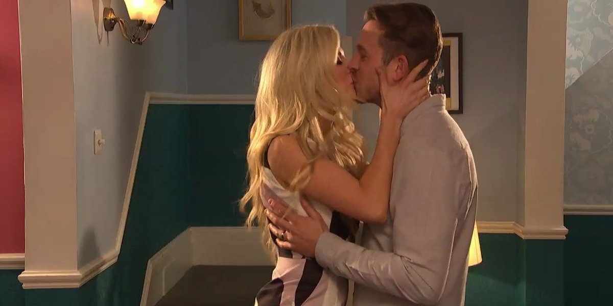 Hollyoaks airs shock betrayal as Mandy Richardson and Darren Osborne get passionate. https://t.co/dDVHXnrhW0