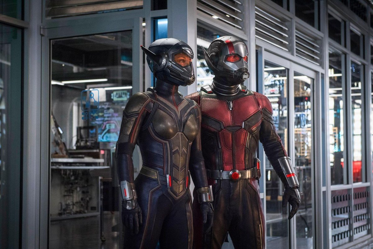 Ant-Man and the Wasp suit up in a new Marvel sneak peek. https://t.co/tu1Lmfots7 https://t.co/q6OPmYZoBH