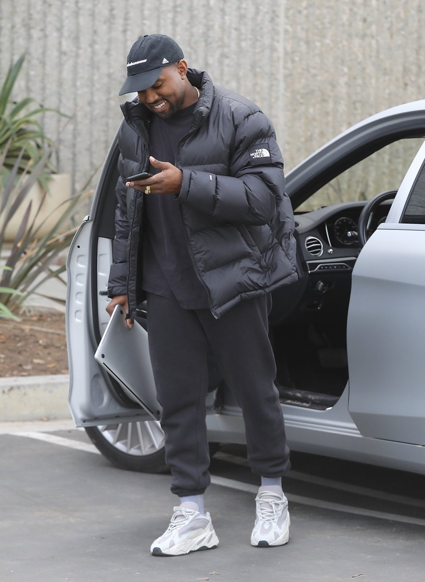 Kanye arriving at his office in Calabasas today