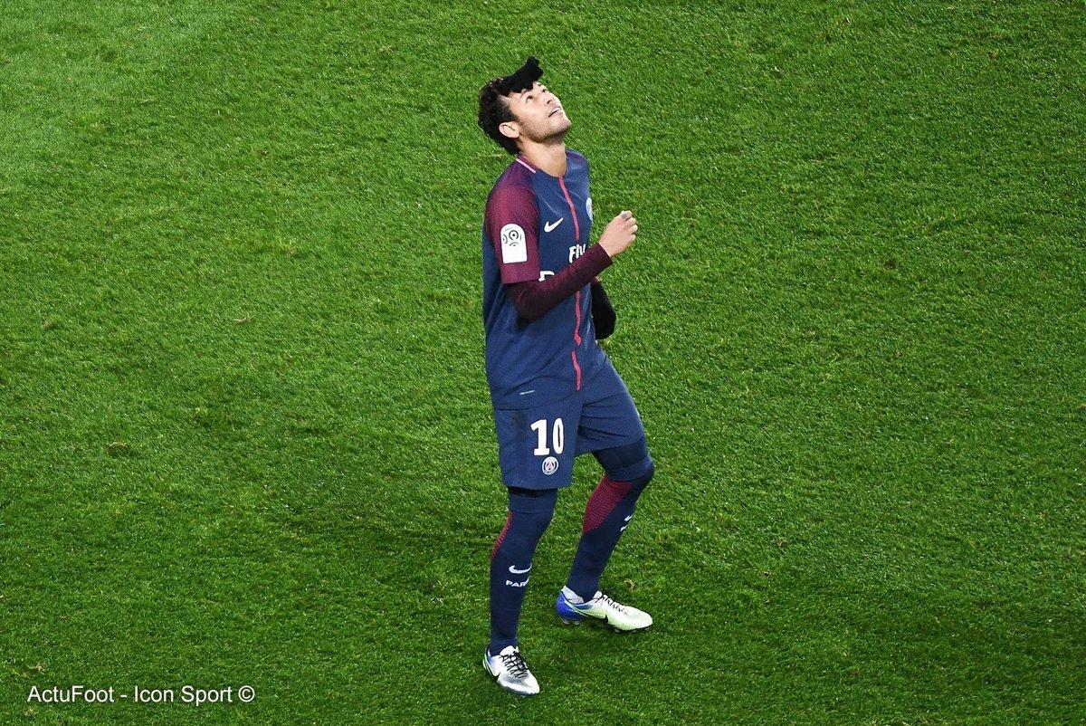 RT @ActuFoot_: 🔥 Neymar durant #PSGDFCO :  ⚽ 4 buts 🎯 2 passes décisives https://t.co/pu9OKWXFSd