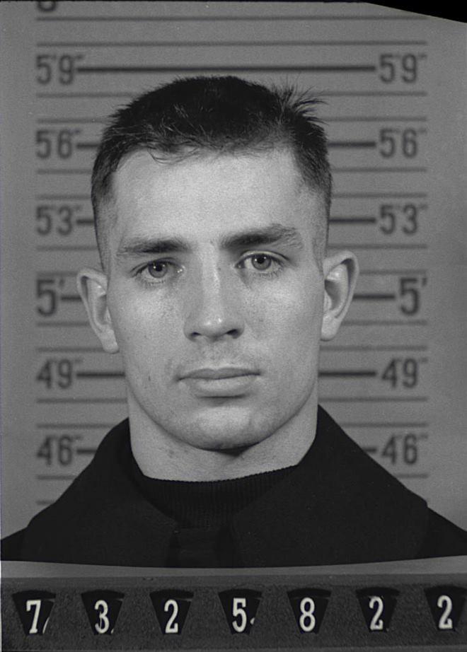 Jack Kerouac 1943 https://t.co/qtDi0kiIK...