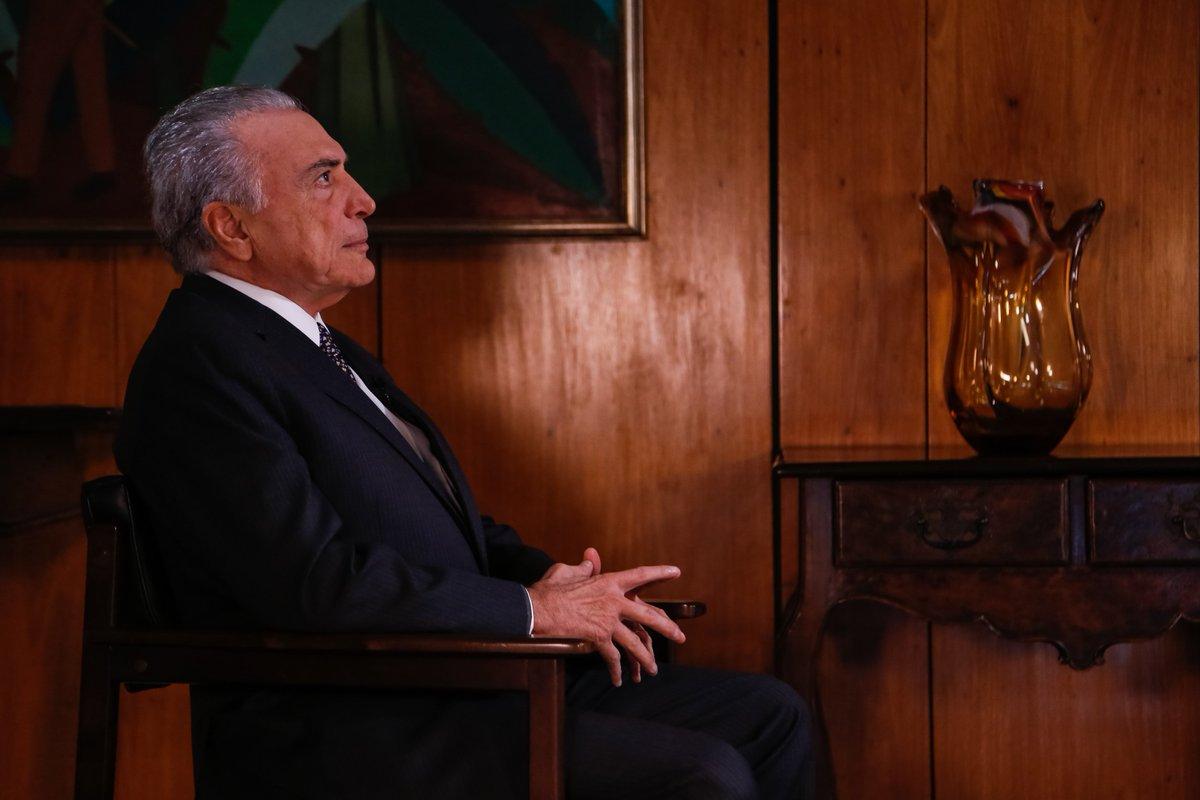 Temer recebeu vice-presidente da Caixa no Planalto https://t.co/BWZRgTMjmN