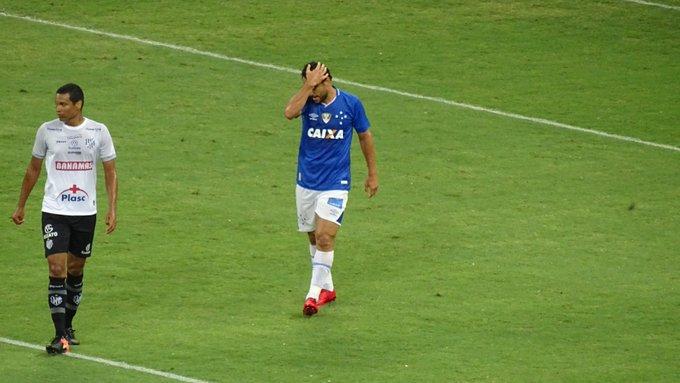 Gabriel Duarte  gabrielc duarteFred se lamenta com o gol perdido na cara de  Villar  trmineirao 550fcb97eace9