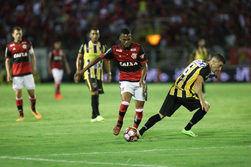 Lucas Silva no jogo de hoje (17/01) cont...