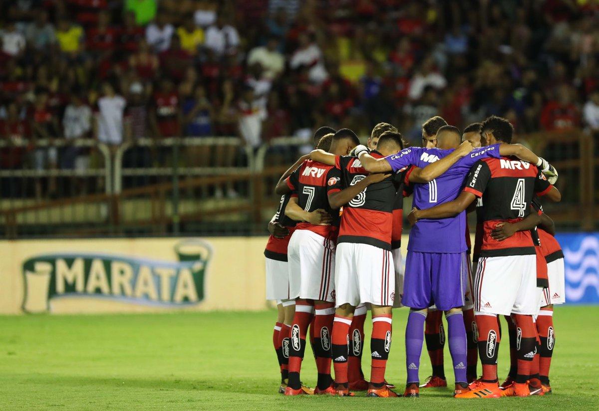 O primeiro passo em uma longa temporada foi dado com o pé direito. Que seja a primeira vitória de muitas! Boa noite, Nação! #GenteGrande   Foto: Gilvan de Souza/Flamengo