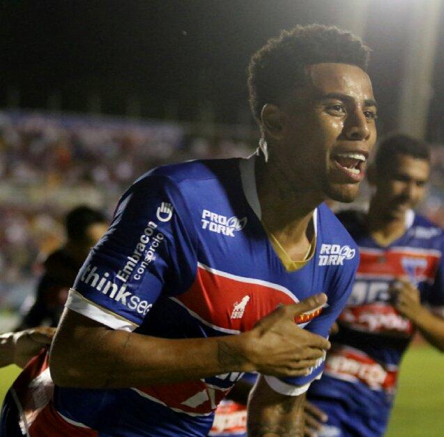 SHOW DO LEÃO 🦁 ⚽⚽⚽⚽ Não foi só Neymar que marcou quatro gols 48f8309d8d855
