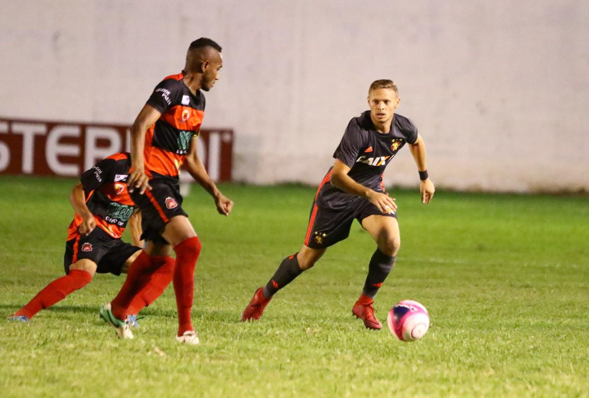 Sport esbarra no Flamengo de Arcoverde. Com um gramado castigado, rubro-negro empata no interior. Confira: https://t.co/atoNLeudFJ #PST
