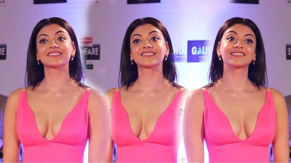 7 Photos of Kajal exposing her flat tummy and tempting curves