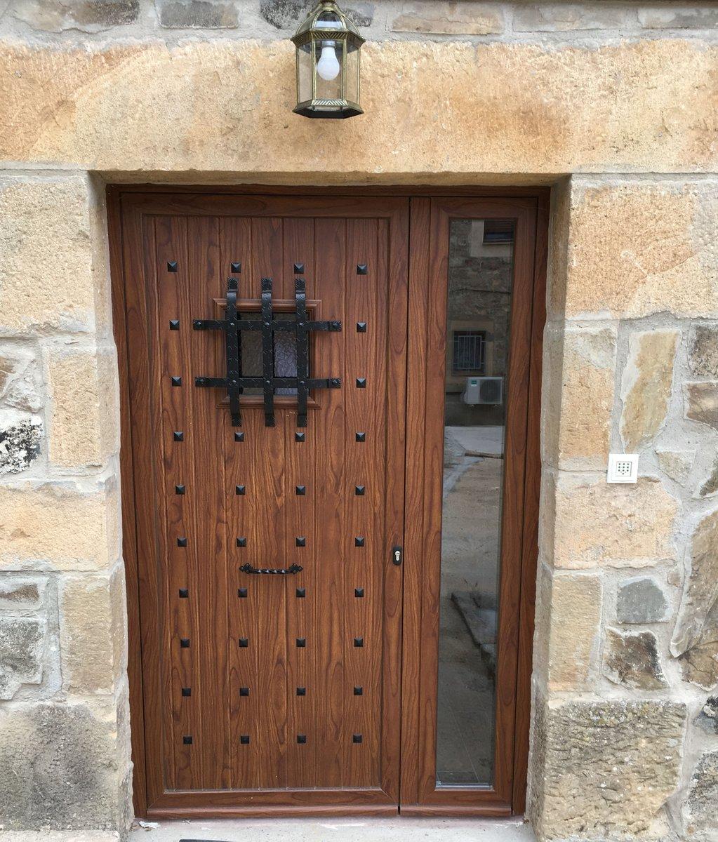 Puertas rusticas de exterior aluminio puertas clset y for Puertas rusticas exterior aluminio precios