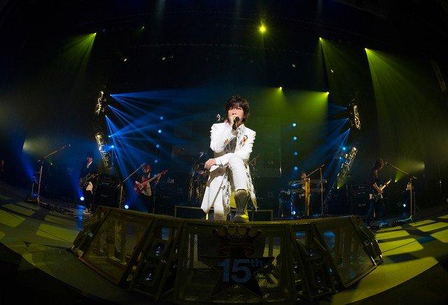 TETSUYAソロデビュー15周年ライブ映像化、ディナーショーで限定盤予約も #larcenciel https://t.co/1wz3ajwujS