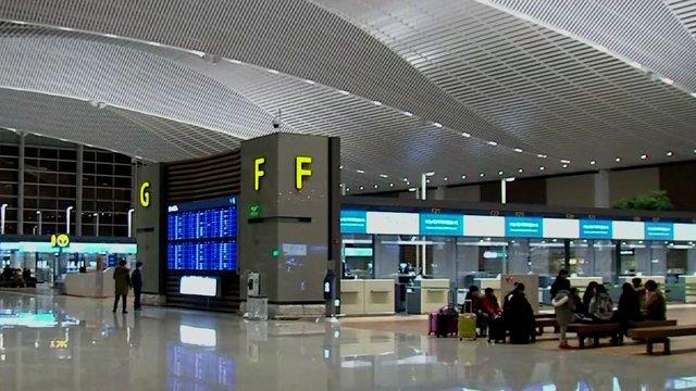 '인천공항 제2터미널' 시대 열렸다…오늘(18일) 정식 개장. https://t.co/hgePlRjo3W 대한항공·델타·에어프랑스·네덜란드 항공 등 4개 항공사 이용. 공항측은 제2터미널 개장으로 제1터미널과 합쳐 연간 이용객이 7200만 명으로 크게 늘어날 것으로 전망.