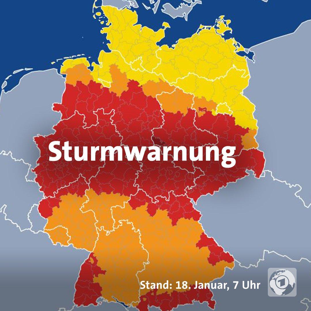 Heute zieht Sturmtief Friederike über Deutschland. Seien Sie vorsichtig!