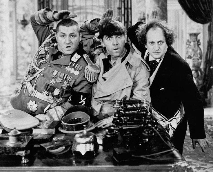 RT @YiannisSkafidas: Moe, Larry & Curly Θρυλικό Τρίο Στούτζες!  Τον άλλο 'ΘΙΑΣΟ' δίπλα τον ξέρετε! 😜 https://t.co/dmskp7zHma