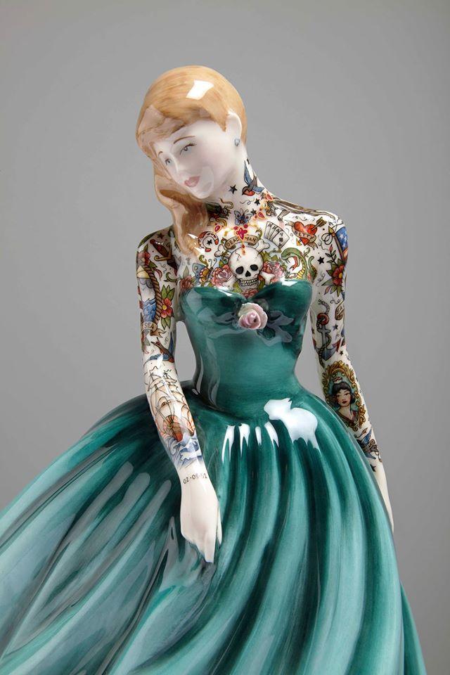 RT @womensart1: Tattooed porcelain figurines by Scotland-based artist Jessica Harrison #womensart https://t.co/P3X2FsFZB4