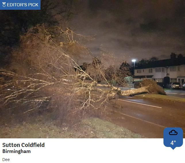 Differing, but equally disruptive conditions to deal with this morning ❄️🌬️ Check with your local BBC Local Radio station for the latest travel news before heading out.  Matt