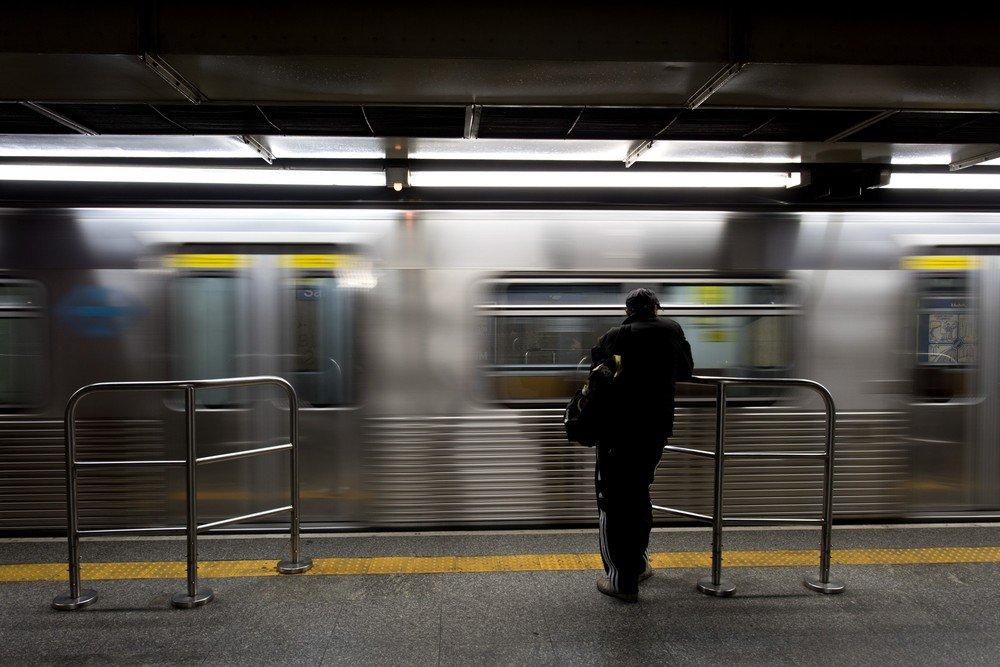 Metroviários fazem paralisação de 24 horas em SP; rodízio está suspenso https://t.co/NR6EYTC4ew #G1SP