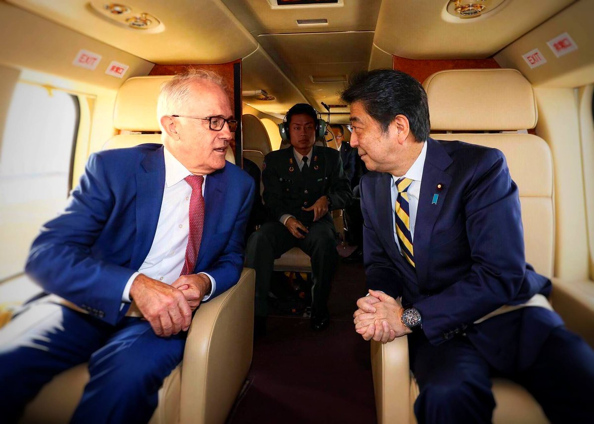 [Prime Minister in Action] I visited JGSDF Camp Narashino with Australian Prime Minister @TurnbullMalcolm. I'm pleased to see him for the first time in two months since Manila. I warmly welcome Malcolm's visit to Japan!  🇦🇺🇯🇵 #Australia