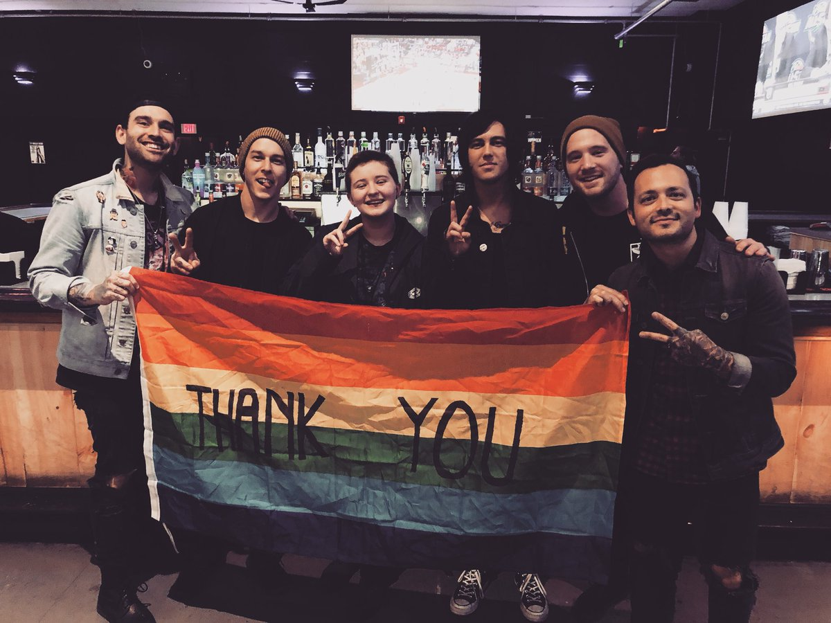 Sleeping with sirens on twitter whos seen us so far on the 3 replies 42 retweets 346 likes m4hsunfo