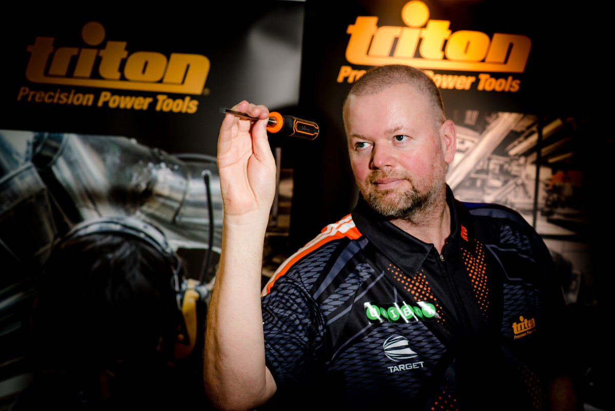 We were delighted to welcome five-times world champion @Raybar180 to our HQ this week to officially launch our new sponsorship. Good luck to Barney this evening as he starts his Premier League campaign against Daryl Gurney! #darts