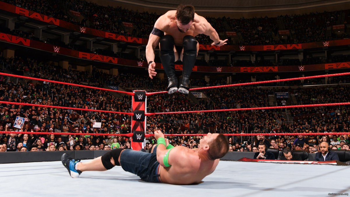 DU hDSyW4AAQD5N - 5 Biggest Winners and Losers from the Royal Rumble