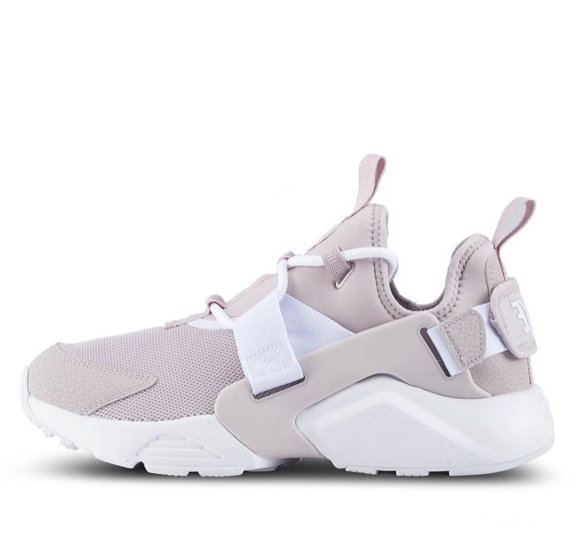 73a7b6185736c ... LINK TO PURCHASE IN BIO  Nike  NikeAir  nikehuarache  Nikewomen  Pink   Airhuarache  ForSale  Sneakers  Hype  Hypebeast  SNKRS  Casual  Shoes   Huaraches ...