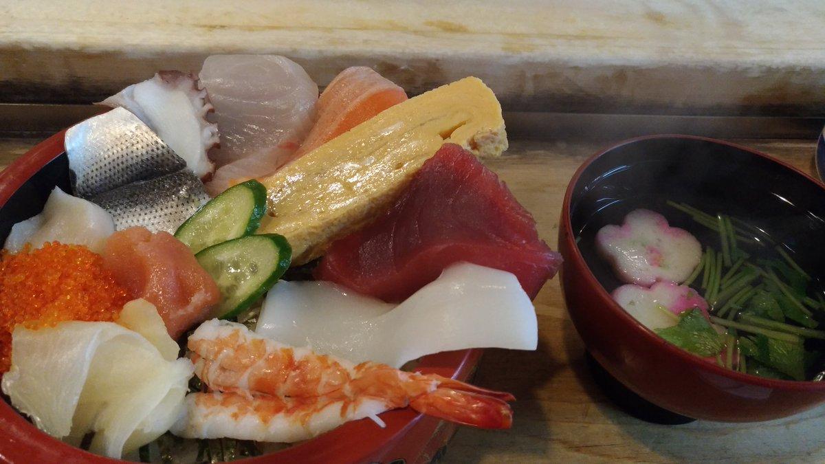 川越クレアモールの笹寿司さん。これ1000円は破格だし、張り紙切実で泣けるから、ほんと入ってみて思う。今日も美味しかった。