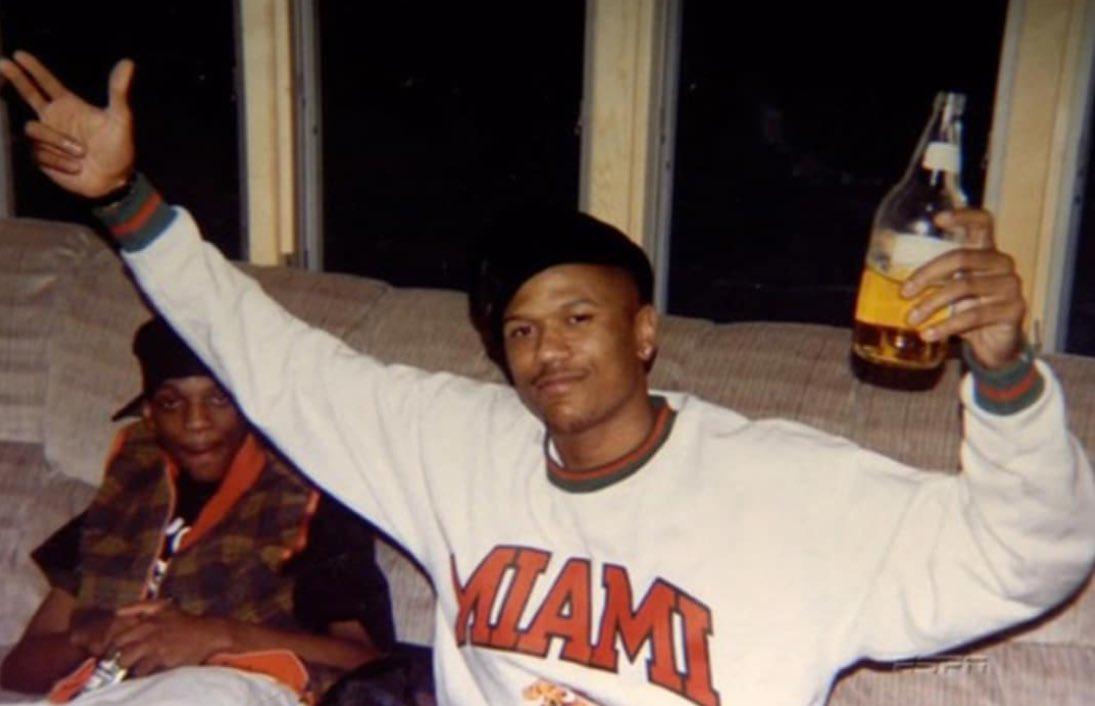 (1997) Happy birthday to Jalen Rose! Cheers. 🍺