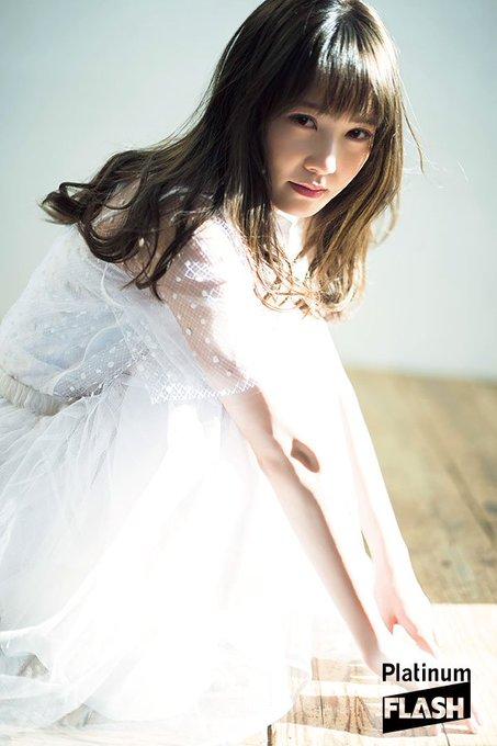 ファッションモデルの富田鈴花さん