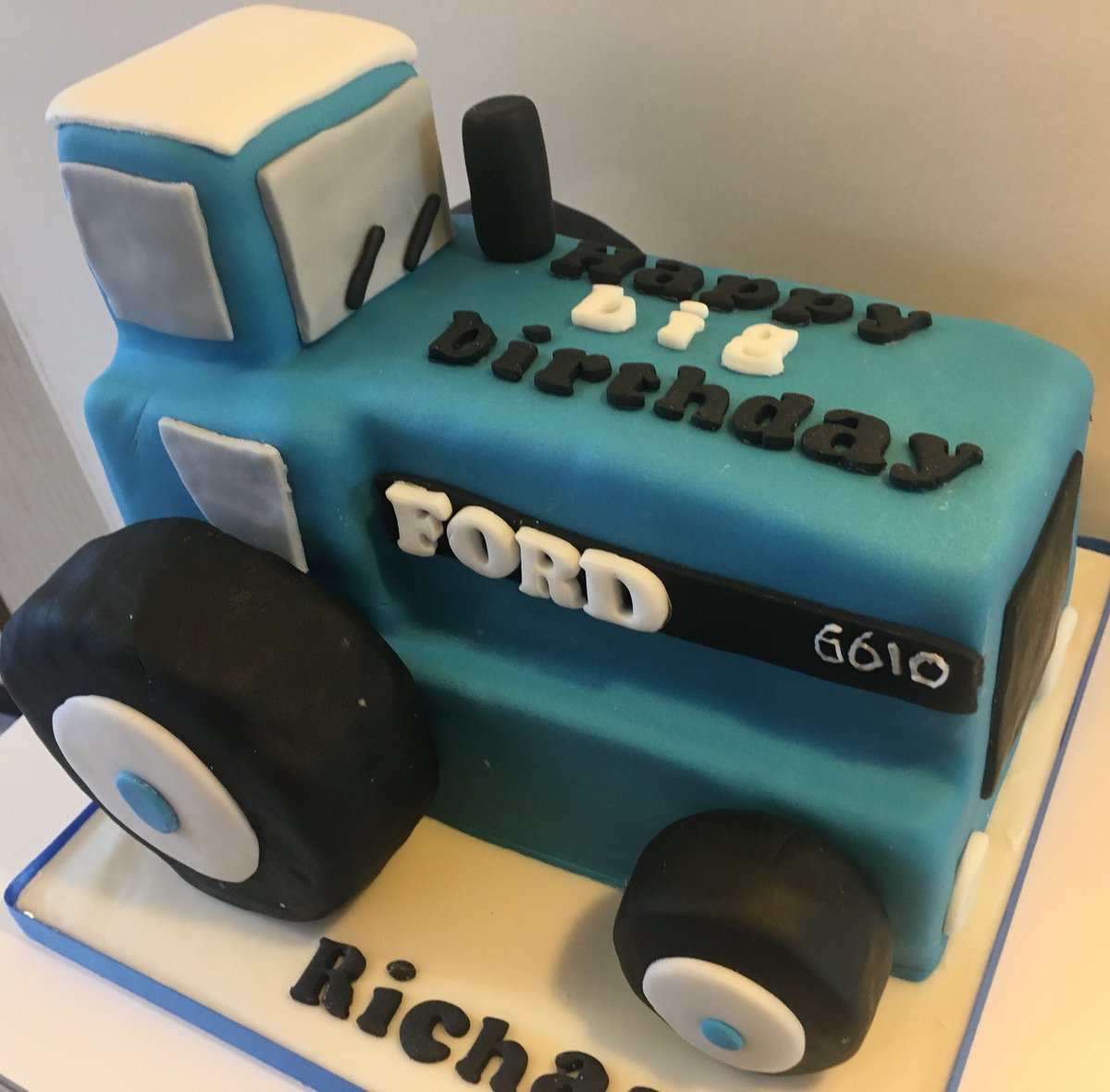 Bluebell Bakery On Twitter Happy Birthday To Richard This Was