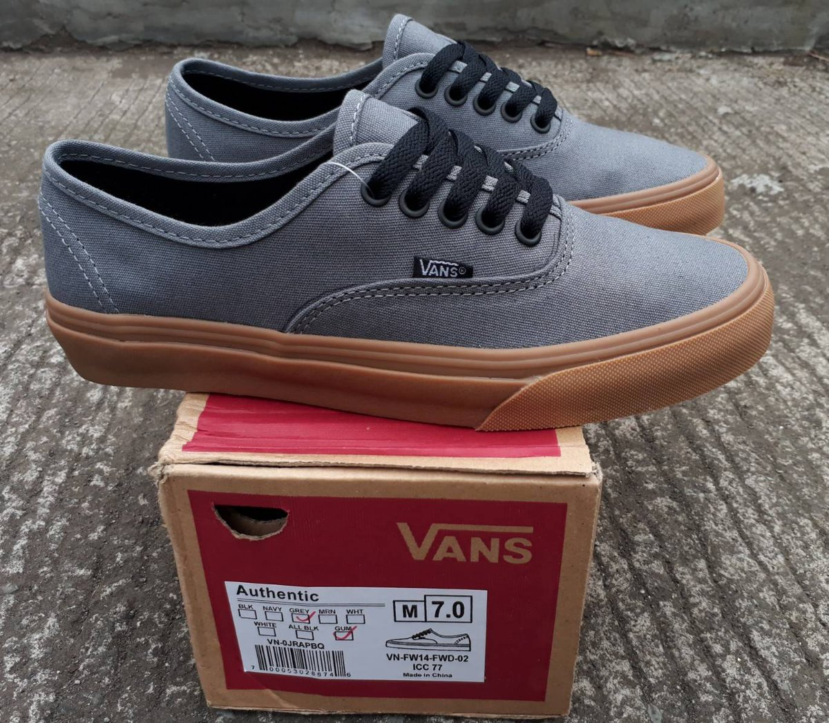 b6c0b9137f READY STOCK PREMIUM BNIB MADE IN CHINA WAFFLE ICC VANS AUTHENTIC GREY GUM  SIZE   39 40 41 42 43 250.000 Lubang tali hitam  sepatuvans  pic.twitter.com  ...