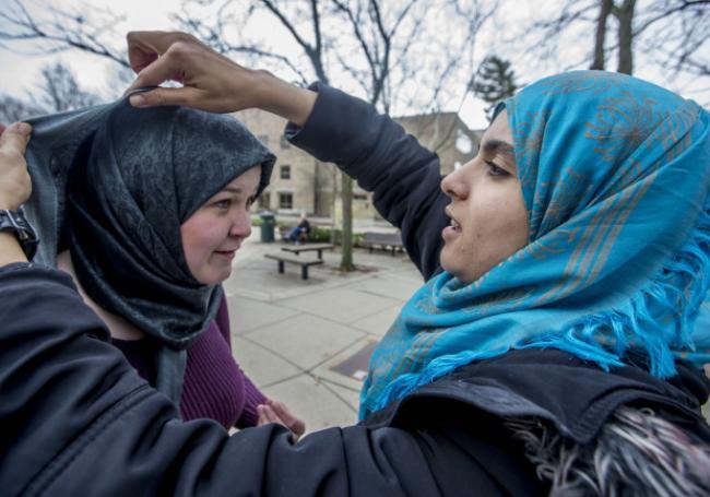 60% des Français pensent que l'islam est « une menace pour la République » >> https://t.co/d3lAUDS0eA