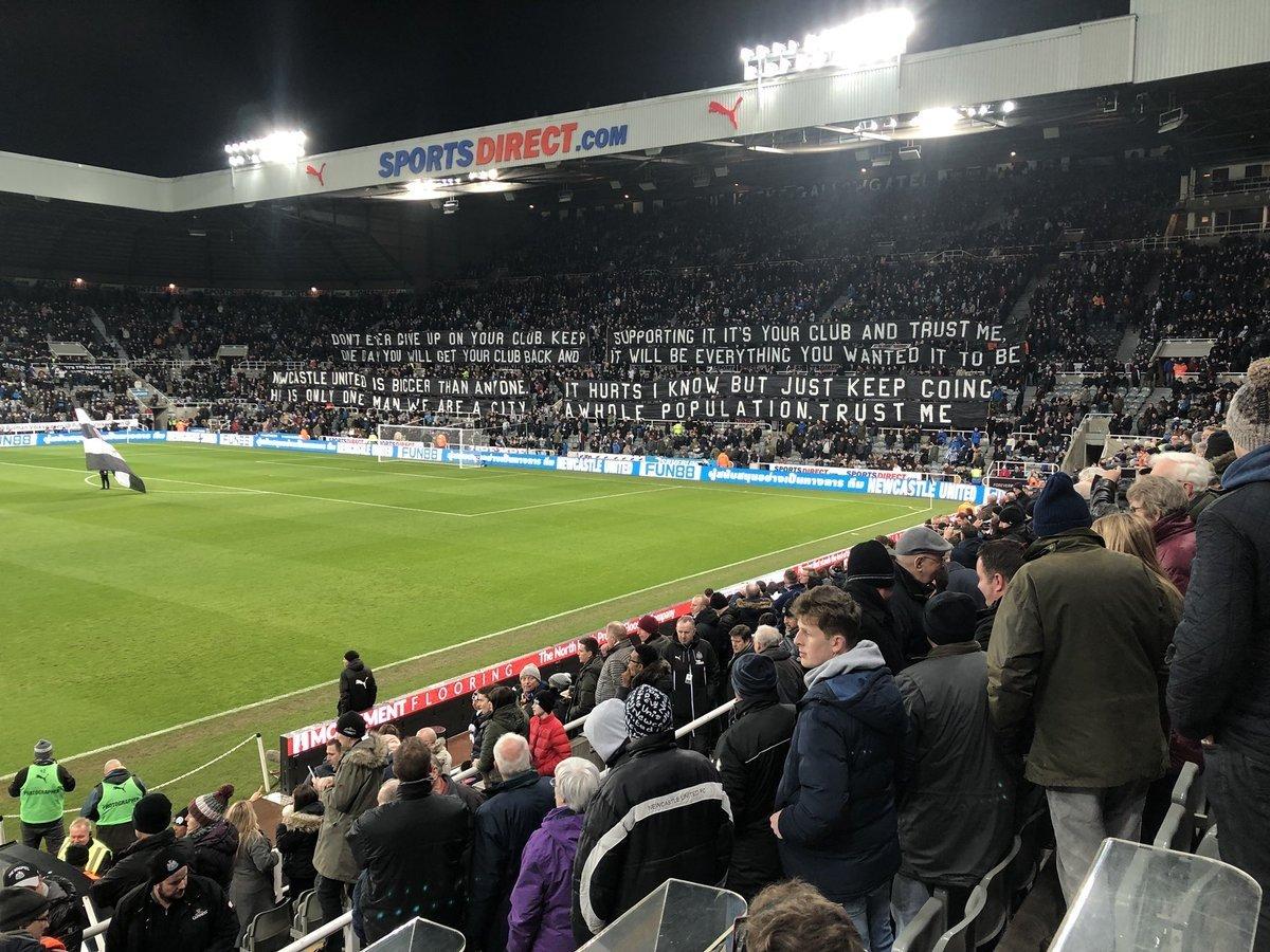 Uma baita mensagem na torcida do Newcastle. 'Não desista do seu clube. Um dia você vai tê-lo de volta. (...) Ele é só um homem, nós somos uma cidade inteira'