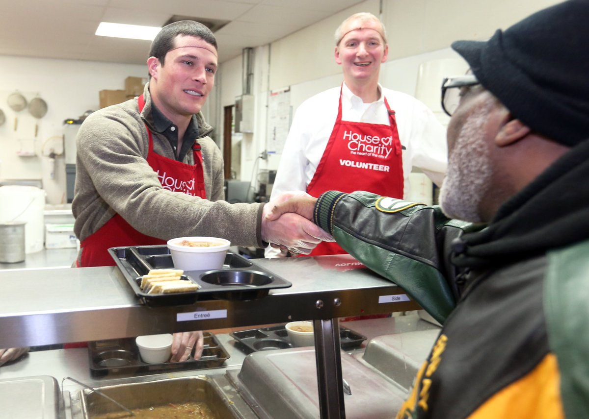 Luke Kuechly Served Soup At A Soup Kitchen In Minneapolis Today And Donated  250,000 Bowls Of Campbellu0027s Soup To The Organization House Of Charity For  ...