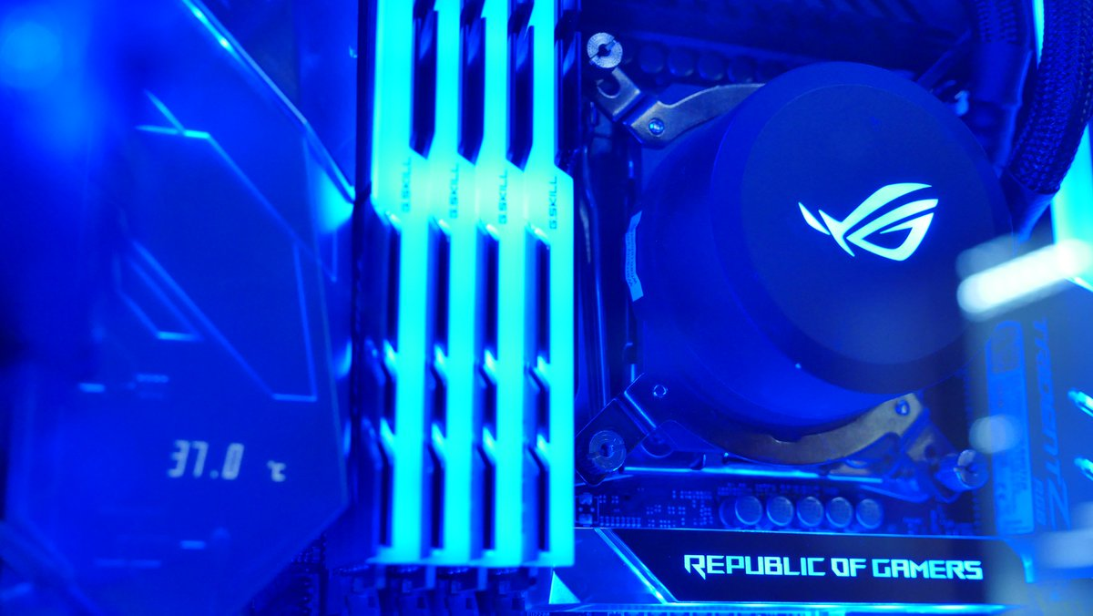 ASUS ROG On Twitter Blue You Say Eiffel 65 Plays Loudly In