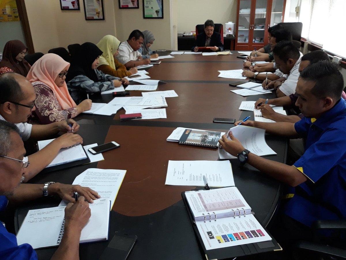 Mesyuarat kakitangan Bil.5/2018 Pasukan Projek Persekutuan Terengganu #PPPT #BerJasaKepadaRakyat #JKR @TeamProjekTrg @JKRTerengganu @jid_nek @irckb_chedin @yusufghani200 👌👌