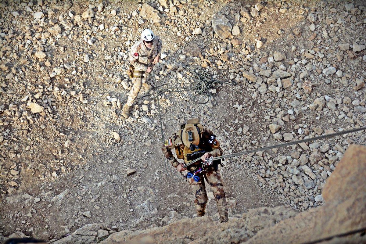 جهود التحالف الدولي لتدريب وتاهيل وحدات الجيش العراقي .......متجدد DU9yYafXUAExALf