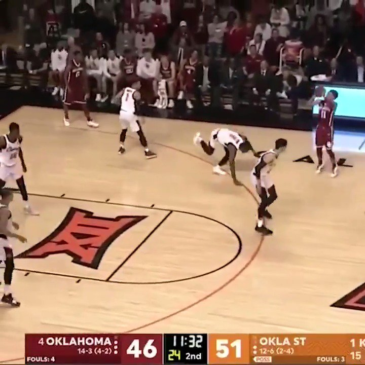Trae Young put the defender on skates 🔥 https://t.co/xRwcL4v7Nv