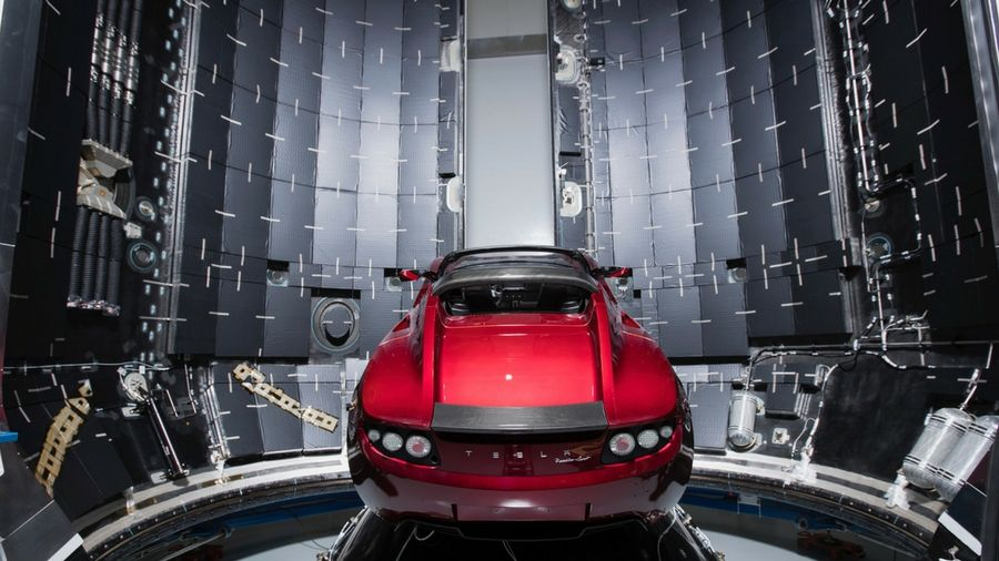 How to watch Elon Musk launch his Tesla Roadster into space on a Mars rocket https://t.co/AmrfOZscNx