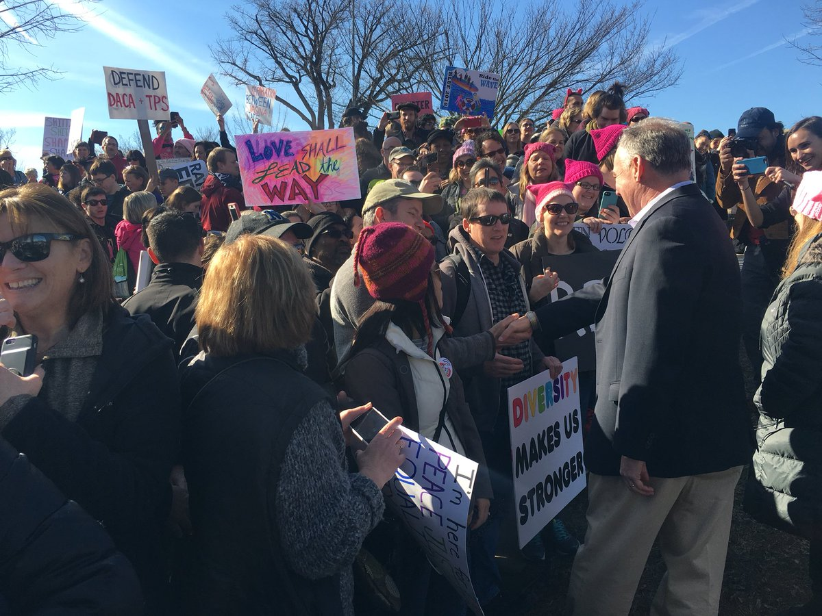 Feeling inspired and re-energized by the people I got to talk to at #WomensMarch2018 this afternoon. Now, time to get back to the Senate to make their government work for them!