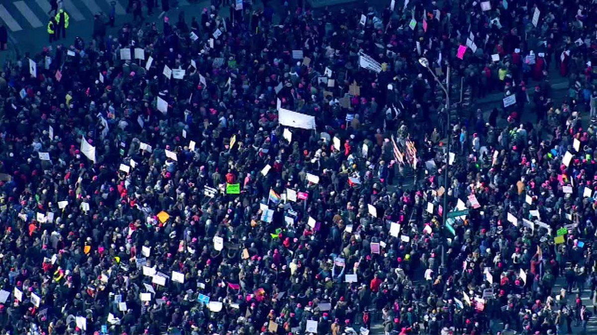 About 300,000 people are attending the 2nd Women's March Chicago, exceeding last year, organizers say: https://t.co/MpXJ2ar13s