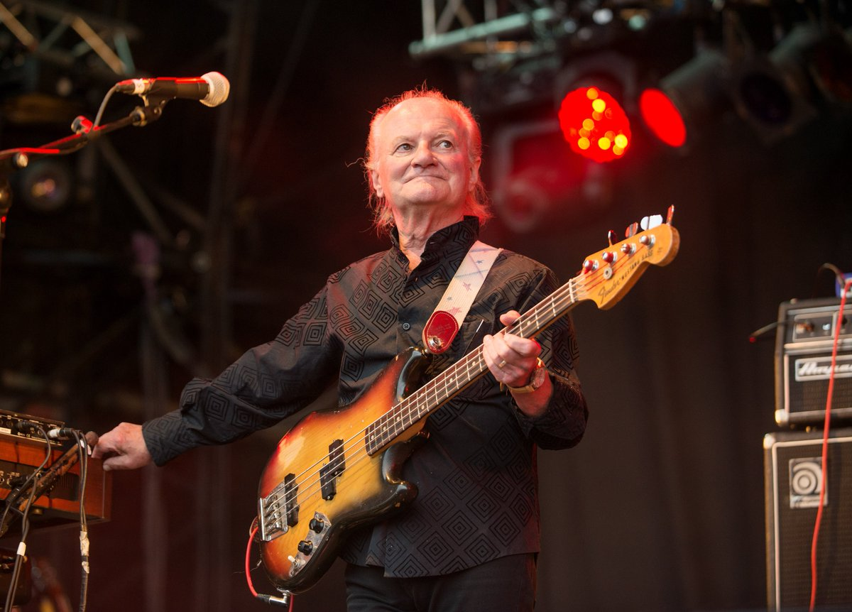 The Kinks bassist Jim Rodford dies at 76 after fall down the stairs: https://t.co/WN1a2fcfCF
