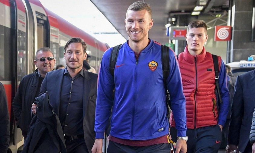 """Roma, Totti stuzzica Dzeko alla stazione: """"Non va a Londra questo?"""" - https://t.co/FxhuYMcbQv #blogsicilianotizie #todaysport"""