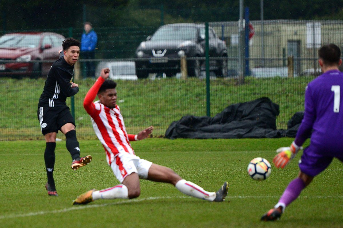 #MUFC's U18 side also picked up three important points on the road today, beating Stoke City 4-2 to go top of the U18 Premier League.  Match report: https://t.co/GvOBftUG0F