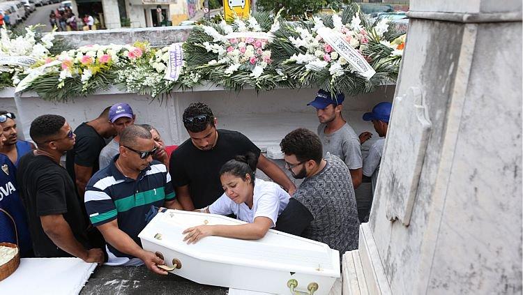 'Ele não matou só ela, ele matou a mim também', diz mãe de bebê vítima de atropelamento em Copacabana https://t.co/jESYsttWNe