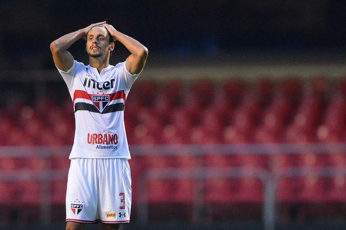 Kaká comenta jogo do São Paulo no Twitter e minimiza 0 a 0: 'Temporada começando'   https://t.co/cdMJbYj5Hi