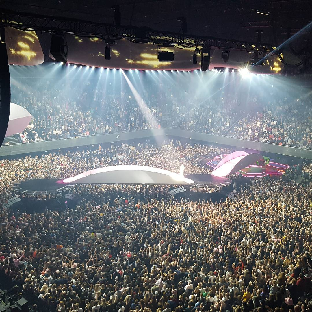 Wow, look at how packed @ladygaga's sold...