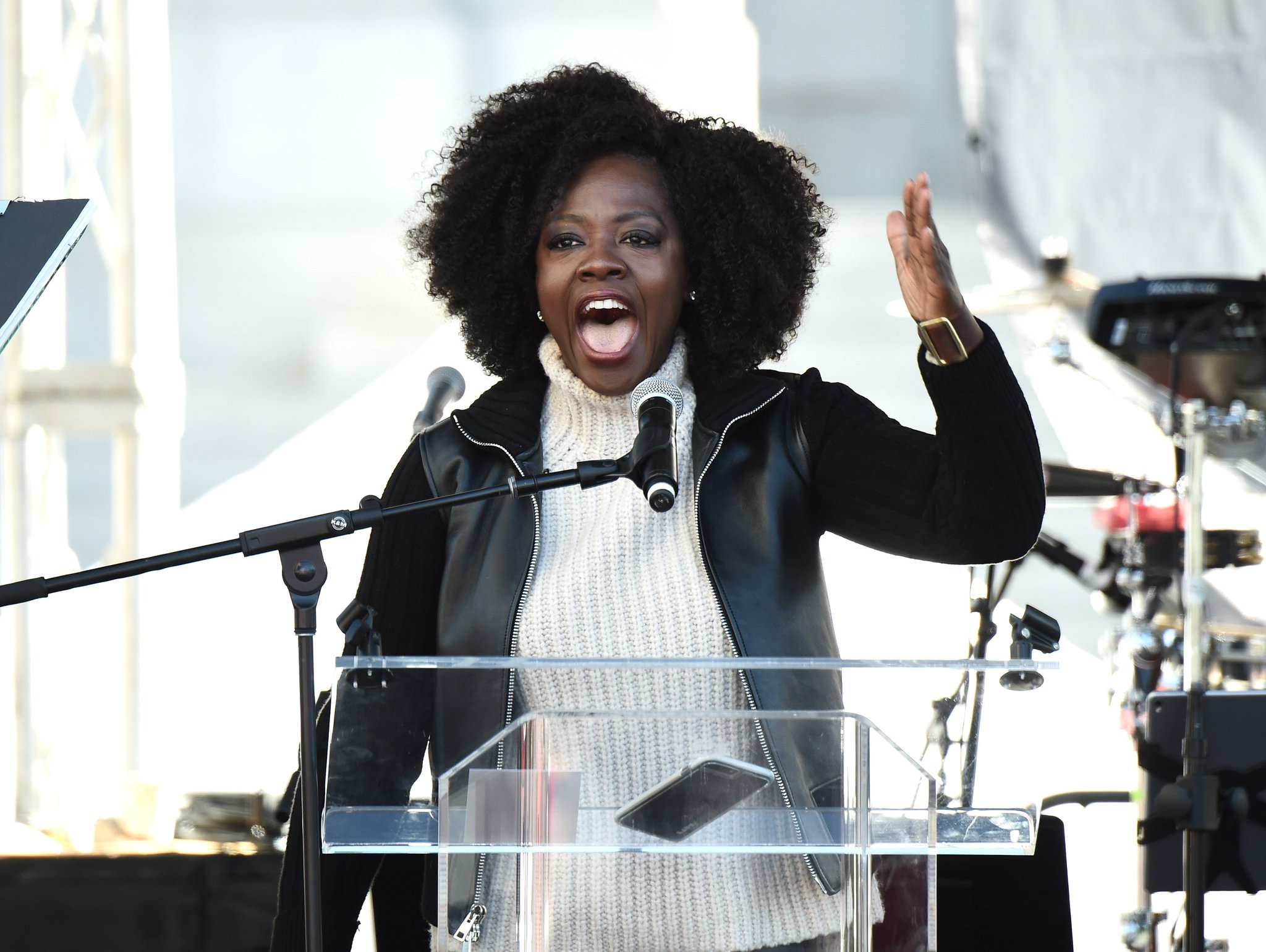 10 emotional celebrity speeches from the #WomensMarch you need to read 🙌 https://t.co/ddEyqvKDWb https://t.co/4kKUJ632sN