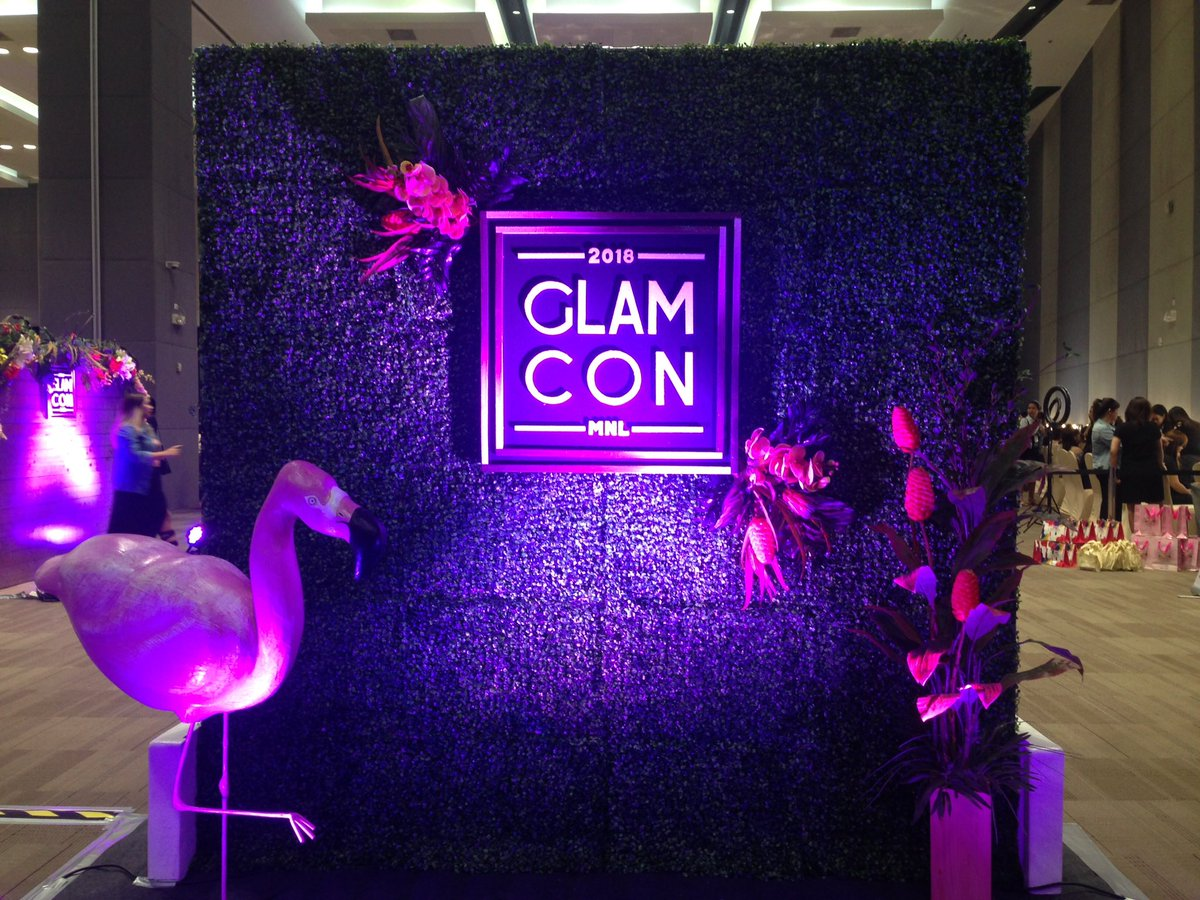 LOOK: The first ever beauty convention in Manila is happening right now at the SMX Convention, SM Aura Taguig! #GlamConMNL18