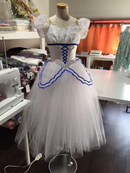 d66e2082892e56 バレエ衣装#papillon #オーダーメイド #Moon☆Light #ballet #balletcostume #バレエ衣装 pic.twitter.com/nvyq037y63